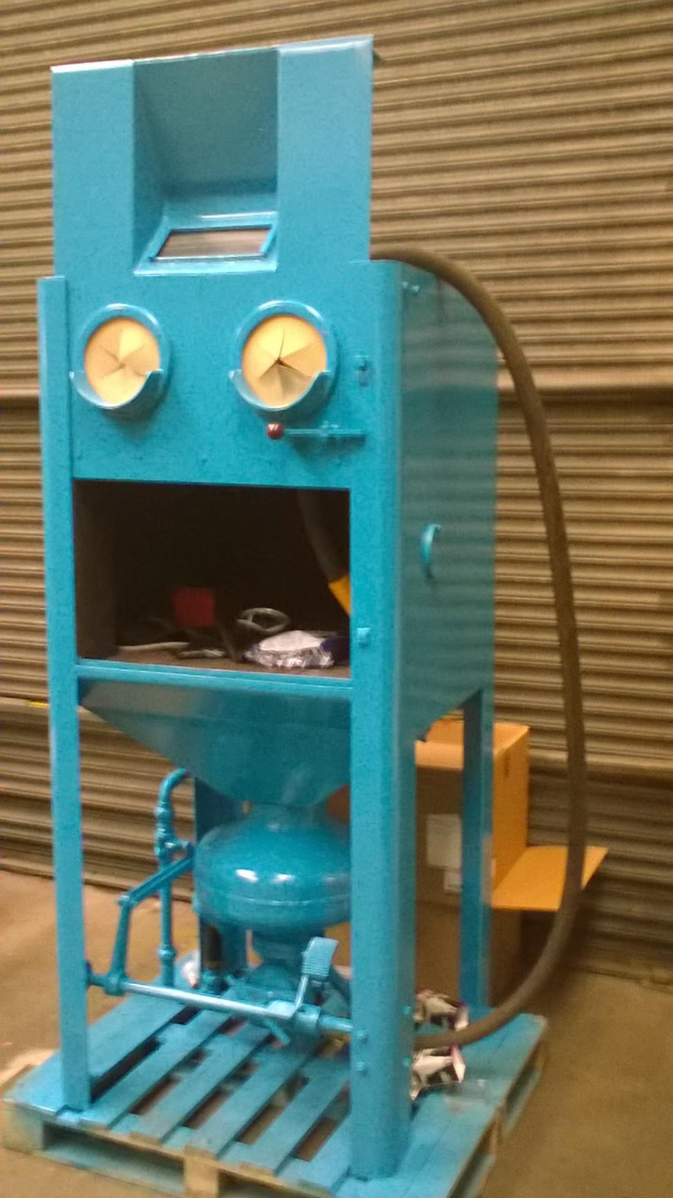 Tilghman Pressure Fed Hand Blast Cabinet